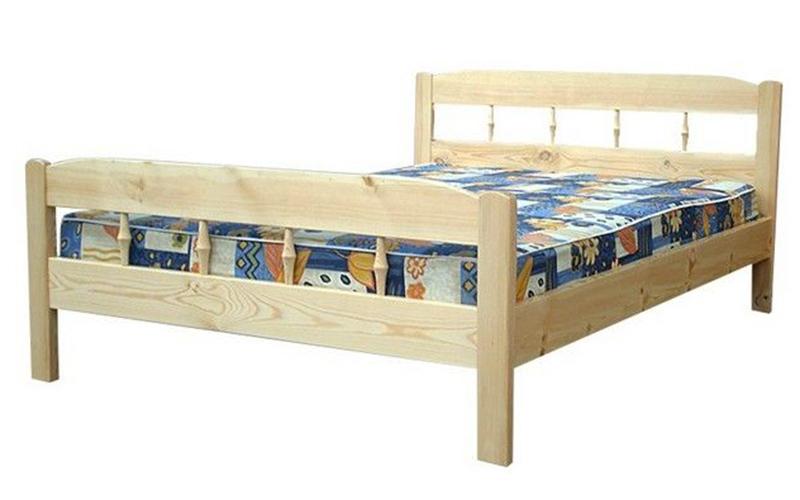 деревянная кровать Дача