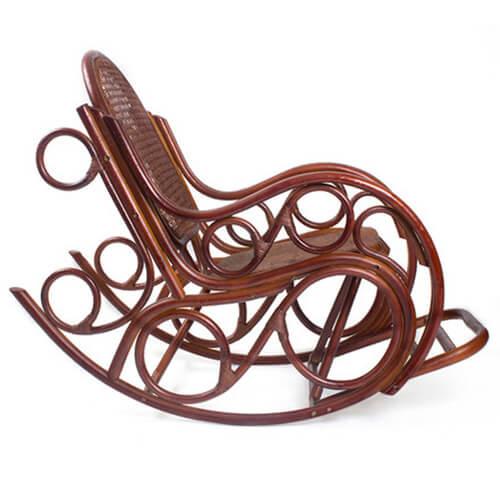 кресло-качалка из ротанга Ново